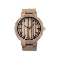 Montres de luxe en bambou montre-bracelet à la main en bois naturel couleur Quartz Montres hommes d'affaires Montre en cuir véritable montres bracelet