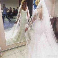 Элегантный полный шнурок 2017 года Свадебные платья V шеи Backless Русалка свадебное платье с длинными покрывалами выполненном на заказ