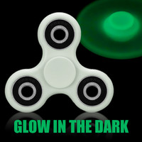 Luminous Fidget Spinner Finger Toys Glow In The DarK Hand Spinners Acrylique ABS Plastique en métal Gyro Décompression Anxiété Jouets avec paquet