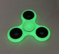 Luminous Hand Spinner Fingertips Spirale Fingers Gyro Torqbar Fidget Spinner Glow In The Dark Tri Spinner Jouets de décompression OOA1249