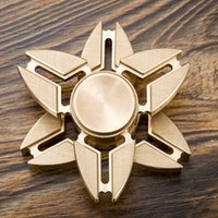 New Design EDC Toys Spinner à main Fidget Spinner Triangle Metal Hand Fidget Spinner avec boîtier de vente au détail
