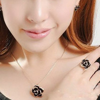 The Black Rose Diamond Necklace clavicle Clothing accessorie...