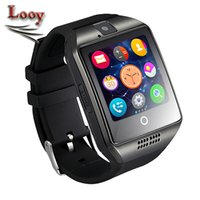 Q18 Smart Watch Bluetooth Wearable écran incurvé de haute qualité de soutien NFC SIM GSM Facebook appareil photo pour Android IOS Phone Wristwatch