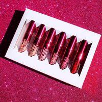 En la acción Nueva edición caliente KYLIE 6pcs de la edición del cumpleaños del día de tarjeta del día de San Valentín de Lipkit del kylie Jenner una venta caliente de la alta calidad del lápiz labial del sistema 12 fija
