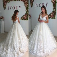 Romantic Appliques 3D Flora Wedding Dresses 2017 New Sheer Crew Neck Cap Sleeves Sexy Backless Vestidos Formal Bridal Gowns Pavimento Comprimento