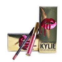 Kylie Édition Anniversaire Léo 1 Rouge à lèvres liquide mat (0,11 oz oz./oz. Liq / 3,25 ml) et 1 Pencil Lip Liner (net wt / poids net 0,03 oz) MR007