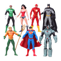 7PCS / SET Marvel Heroes Superman Wonder Woman PVC Figurines d'action Toy 17CM Cartoon Movie Action Figure pour enfants Cadeau d'anniversaire de Noël