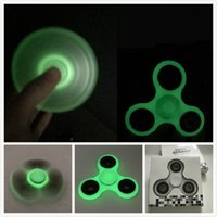 En stock Luminous Hand Spinner Fingertips Spirale Fingers Gyro Torqbar Fidget Spinner Glow In The Dark Tri Spinner Décompression Jouets