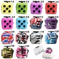 14 colores Fidget Cube ansiedad juguete sensorial con 6 lados para el enfoque y el alivio de estrés para los niños Adultos Verde Azul Rosa Gris Rojo Camo bandera
