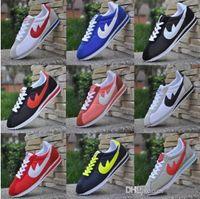 Les hommes chauds de chaussures de nouvelles marques de vente et le cortez de femmes courent les chaussures extérieures de mode de cuir de chaussures de coquilles de loisirs de coquilles la taille 36-44
