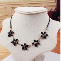 Five Diamond Flower Necklace clavicle 2- color optional Clot...