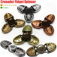 Nouveau Crusader Fidget Spinner Toy Triangle 3Leaves Hand Spinners Top Zinc Moule EDC Finger Tip décompression nouveauté Rollover Copper Toys DHL