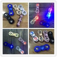Светодиодная ручка Spinner Metal Fidget Spinner Fingertip Гироскоп Tri-Spinner Ручной вертушечный механизм Игрушка для декомпрессии EDC 5 цветов
