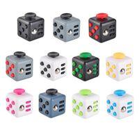 2017 la nueva ansiedad de la descompresión del juguete de la descompresión del cubo de Fidget juega la novedad juega 11 colores con el paquete al por menor