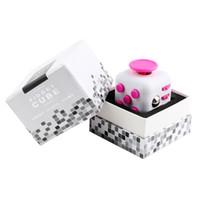 Fidget Cube Juguete Descompresión Toy la primera ansiedad de descompresión americana del mundo Juguetes Fidget cubos con caja de regalo DHL libre