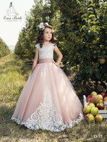 Vintage 2017 Lace Flower Girl Vestidos Mangas de boné Tulle Lace Up Back Applique Tulle Little Girls Pageant Vestidos de aniversário Custom Made