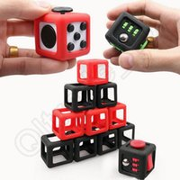 Fidget Cube Cubierta Caso Protector Protector Caso Bolso Magic Cube Negro Caja De Regalo Llevar Paquete De Alivio De Estrés Enfoque OOA1248