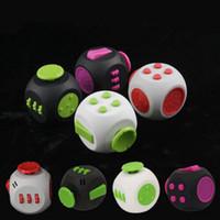 3.8 * 3.8 Round Fidget Cube 9 cores Fidget Dice Alivia Stress Adultos Ansiedade Atenção Brinquedo Mão Spinner Fidget Brinquedos OOA1380