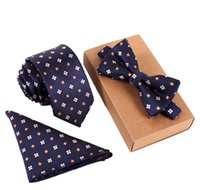 Classic Paisley Neck tie and & Pocket Square Hankie Set Form...