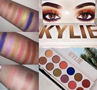 Kylie Royal Palette de pêches Jenners 12color palette d'ombres à paupières avec stylo Cosmetics La nouvelle palette 12color Eyeshadow Précommande Kyshadow