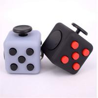Fidget Cube dice Alivia anti estrés y ansiedad 3.3 * 3.3 para niños y adultos Hand Spinner Fidget Toys