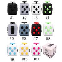 Ansiedad Juguetes Fidget Cube colorido primer juguete de descompresión estadounidense con caja al por menor a la venta