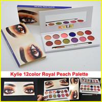 Есть в наличии Кайли Царская персик палитра Eyeshadow 12color Дженнер палитра теней для век с кисточкой перо Косметика Kyshadow бесплатной доставкой