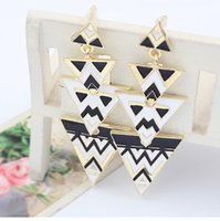 Wholesale 2015 New Joint Torique Silicone Rubber Sheet Tb251 Korean Jewelry Style Exaggerated Retro Black And White Hit Color Triangle Long Earrings