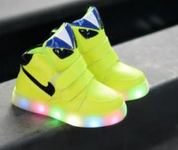 Wholesale Kids Sneakers New European Cool LED lighted kids shoes hot sales fashion Spring Auntum boys girls children sneakers Lovely baby boots