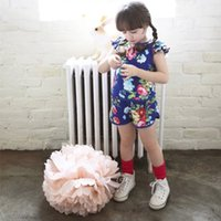 Cheap free shipping 2014 new cute floral print girls tracksuit 3~6age tee with shorts children clothing set