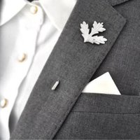 Wholesale old Silver plated maple leaf brooches for men women Costume jewelry accessories exquisite men s suits pin