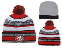 achat en gros de marque pas cher nouvelle fraîche-Bonnets pas cher Football Pom Pom bonnets Cool marque de casquettes hiver Beanie tricoté chapeaux mode crâne casquettes nouvelles femmes chapeaux Thanskgiving cadeaux