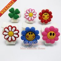Wholesale Flower paper clip binder clip plastic clip Paper Clips Creative bookmarks cartoon bookmarks soft rubber PVC bookmarks for stationery