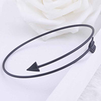 Wholesale 30 Individuality Women Bracelet Fashion Accessories Latest Creative Arrow Shaped High Quality Alloy Bangle Bracelet Wonderful Gift