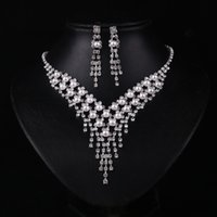 Wholesale 2016 Cheap Rhinesones Crystal Pearls Bridal Necklaces Earring Sets Wedding Party Jewelry Sets Wedding Accessories Bridal Prom Jewelry Sets