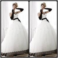Wholesale 2016 Unique Black and White Wedding Dress For Bride Lace Sweetheart Sleeveless Bridal Gowns High Quality Wedding Dresses Gothic