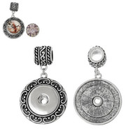 Wholesale Engraved vine flower antique silver round necklace pendant swing bead alloy charms Fit noosa snap buttons ginger snaps jewelry B41780