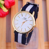 Wholesale DW three nylon SMT nylon with a burst of luxury brands in Europe and America with a black and white quartz watch