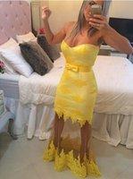al por mayor vestido de arco amarillo-2016 Moda sexy vestidos de baile amarillo con encaje Appliques arco de cuello de amor ver a través del piso vestido de noche de longitud Vestidos de fiesta por encargo