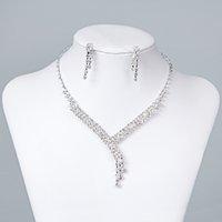 achat en gros de déposer des cristaux de collier-Bijoux de mariage nuptiale bijoux en cristal strass mariée bijoux de mariage ensembles 2015 Collier boucles d'oreilles nuptiale accessoires 15023