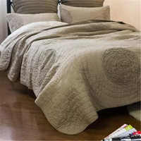 Wholesale Cotton Camel Quilt Cover Handmade Discoid Flowers Summer Quilt Edredon Applique Couette Reactive Dyeing Quilts Bedspreads