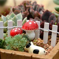 Wholesale Hot Cute resin crafts Decorations Miniature Dot Mushrooms Red fairy gnome terrarium Christmas Xmas Party Garden Decor Gift