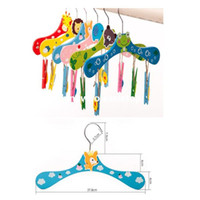 Wholesale 6pcs Cartoon Animal Children Hanger Baby Colorful Wooden Hanger Small Kids Clothes Rack Luggage Carrier