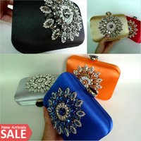 Wholesale Bridal Elegant Hand Bags for Wedding Solid Colors Shining Party Clutch Beaded and Crystals Formal Evening Ceremony Girls Bags Purses EB021