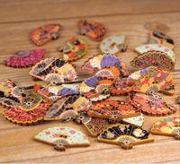 achat en gros de couture bouton bande dessinée-ventilateurs de couleur mixte de haute qualité bande dessinée Boutons en bois de Multicolor décorative Fit Couture Scrapbooking Crafts WB-11 Accessoires de vêtement
