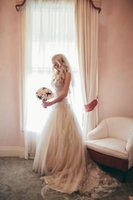 Wholesale Sweatheart Champagne Wedding Dresses Lace Stunning Beading Bridal Gowns Fitted Modest Designer Fall Bride Dress Plus Size Free Veils