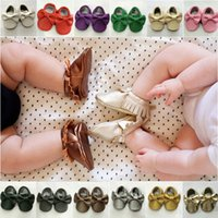 Wholesale Hot Sale Baby Soft Leather Tassel Moccasins Girls Bow Moccs Baby Booties Toddler Solid Colour Tassel Shoes Moccasin Pairs
