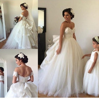 wedding gown detachable train - 2015 Wedding Dresses with Detachable Train Sweetheart Lace Applique Summer Wedding Gowns Vintage Ball Gown With Veil Arm Bands Headpiece