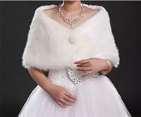 Faux fur jackets Цены-Мода Под 8 Pearl Кнопка венчания шали палантины Bridal белый цвета слоновой кости из искусственного меха формальный повод женщин Теплый Bolero пальто зимняя куртка Дешевые