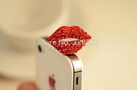 Al por mayor-Venta caliente 20pcs rhinestone labios rojos antipolvo enchufa los auriculares de encanto del teléfono conector jack de 3,5 mm iphone envío libre